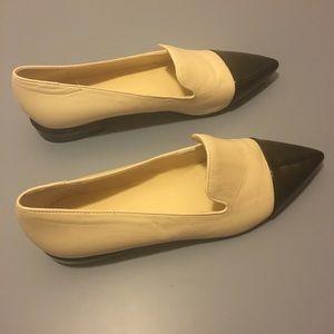 Nine West Cream & Black Pointy Heel Flat Sz 7